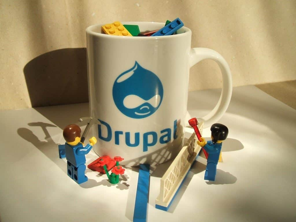Drupal mug with Lego figures